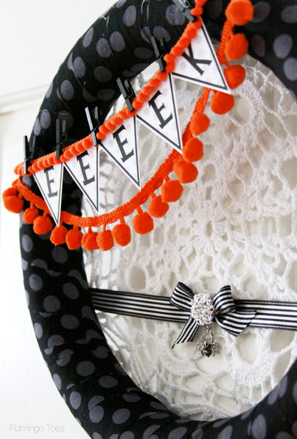 Black and White Spider Halloween Wreath