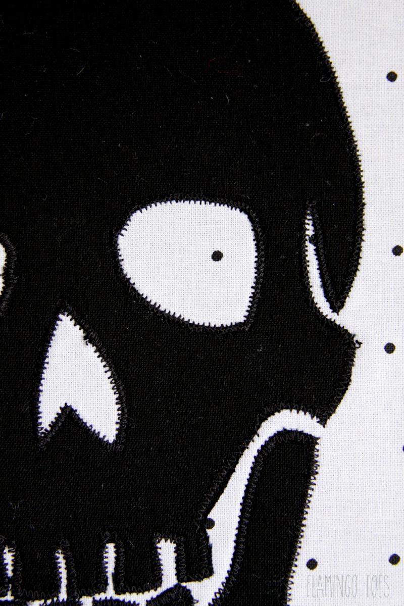Zigzag Skull to Fabric