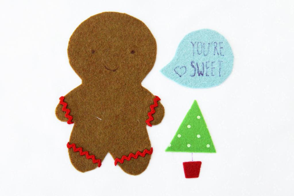 detailing-on-gingerbread-hoop